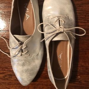 MIA Oxfords White taupe metallic Size 7.5